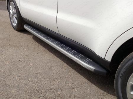 Kia Soul 2017-Пороги алюминиевые с пластиковой накладкой (карбон серые) 1720 мм